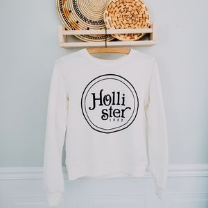 Hollister graphic pull over